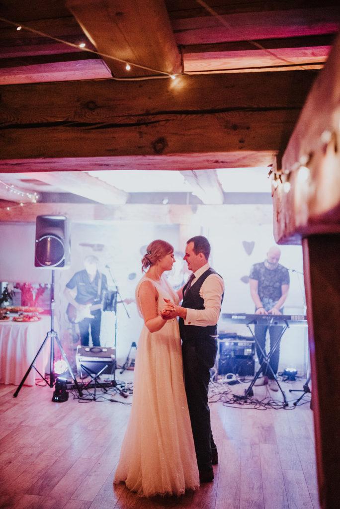 pirmā-deja-kāzās