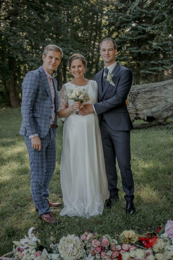 kāzu-organizēšana-kāzu-vadītājs-pasākumu-vadītājs-kāzu-plānošana-grupa-kāzām-pasakuma-vaditajs-kazu-vaditajs-vieta-kazam-mācītājs-kazām-mičošana-kāzās-korporatīvu-pasākumu-organizēšana